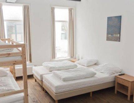 rl1-comfort-vierpersoonskamer-01.jpg - City Hostel Vlissingen
